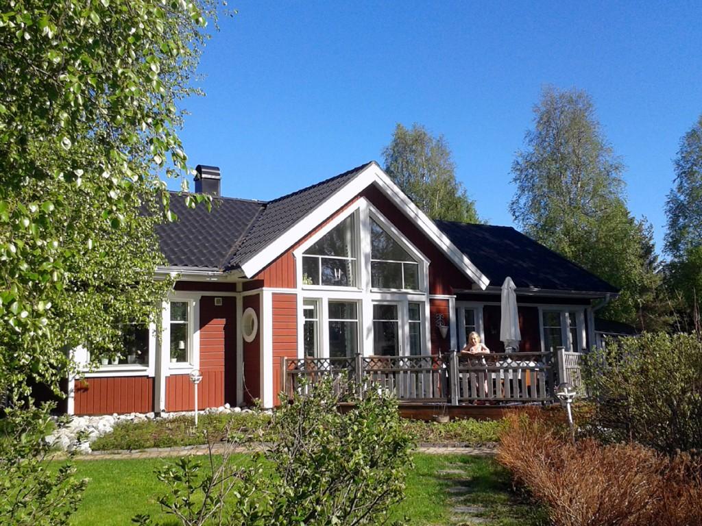 Huset tidig sommar